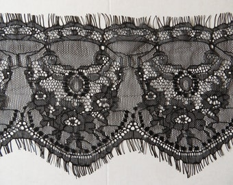 3mts of wide lace trim, double scallop with eyelash edges 14cm, choose black or white