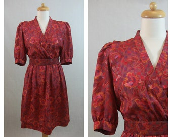70s 80s vintage dress by Hal Ferman. Floral print red dress. Short sleeves dress. Shirtwaist dress. Size M.