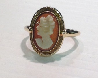 Vintage Cameo Lady Ring in 10k Yellow Gold