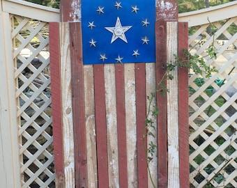 One Star, Falling Stripes : barnwood flag