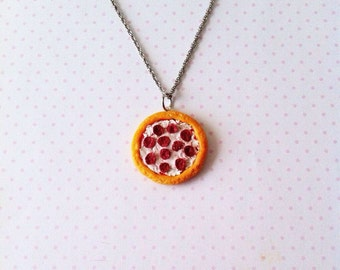 Pizza necklace, polymerclay