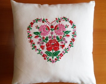 Brand new 16x16 Heart Flower hand embroidered Hungarian Folk Art Matyo Cushion Cover Pillow Sham Pillow Case