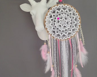 Dream catcher in crocheted lace, colour white and pink powder