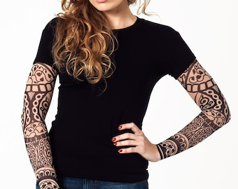 new womens tshirt with roses chaplet temporary tattoo