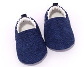 Navy Baby Shoes, Soft Sole Baby Shoes, Blue Baby Booties, Blue Toddler slipper, Baby Shower Gift, Gender neutral baby gift, baby moccs