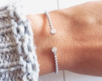 Bracelet, engraved ring - silver rhinestone rhodium plated 925/000 sterling and CZ - sterling silver bangle