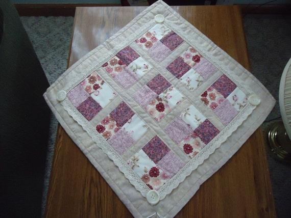 "Victorian Table Topper 17"" square"