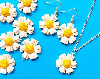 Daisy jewelry set Flower jewelry set Flower earrings necklace White Gerbera necklace Chrysanthemum Spring Summer White cosmos jewelry