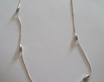 vintage silver color BEAD NECKLACE vintage costume jewelry silver chain necklace
