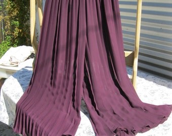 Vintage Pallazo Pleated Pants in Burgundy,Made in USA