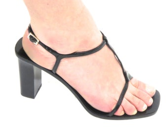 SALE - Vintage 90's Gucci High Heel Sandals in Black Patent Leather! Strappy heels! Size 39.5