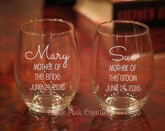 Mother of the Bride Glass, Mother of the Groom Glass, Mother of the bride gift, mother of the groom gift, wedding wine glass, 1 glass