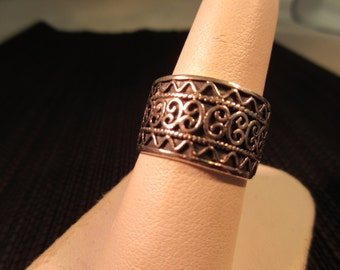 Cool Retro Sterling Silver Ring - 7.5