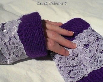 Lilac laced wrist-warmer