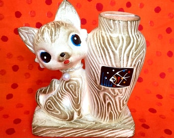 Kitsch Kitty Coin Bank with Faux Woodgrain Texture.  From Japan!