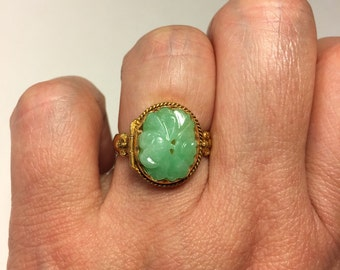 Antique Carved Floral Pattern Jade Ring