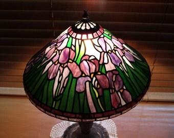 Tiffany Lamp Bearded Iris Design