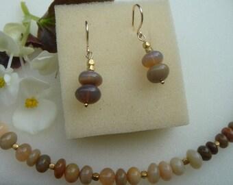 Noble opal earrings at 585-er gold!