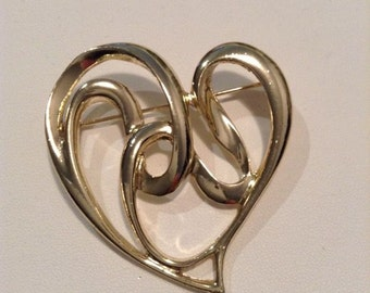 Lovely Heart Pin