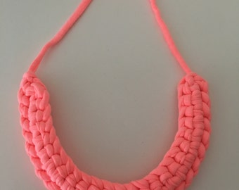 Crochet Necklace - Neon Peach