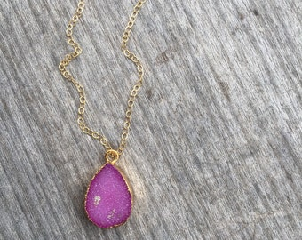 Magenta Drop Druzy Necklace - Magenta Druzy Jewelry - Drop Druzy Necklace - Delicate Necklace -Magenta Druzy Necklace-Gift for her-Boho Chic