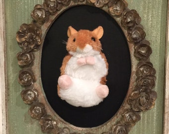 Happy little Hamster on a Vintage Feel Frame