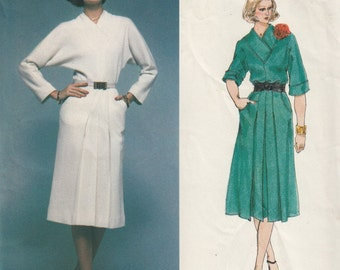 Vintage Belinda Bellville Sewing Pattern, Misses Dress Sewing Pattern, Vogue 1376 Uncut Sewing Pattern, 1980s Retro Dress