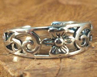 Flower Toe Ring - Sterling silver