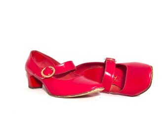 1960's Heels | Red Fair Sets Pumps | Size: 7.5