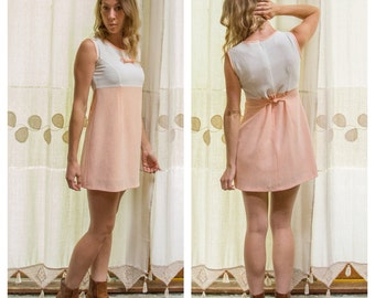 1960s Peach & White Retro, Mod, BabyDoll Mini Dress