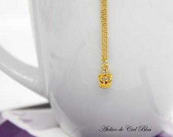 Crown Necklace - Tiny Crown Necklace - Tiny Gold Crown Necklace - Mini Crown Necklace - Tiara Necklace