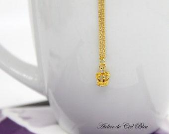 Crown Necklace, Tiny Crown Necklace , Tiny Gold Crown Necklace, Mini Crown Necklace, Tiara Necklace, Crown Jewelry, Tiara Jewelry