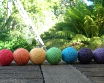 Felted Wool Rainbow Balls / Kids Balls  / Juggling Balls - set of 7