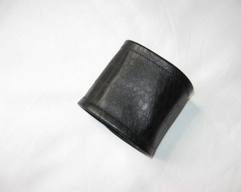 Cuff Bracelet Faux Leather Black simple croc pattern