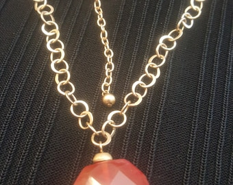 Gold Tone Circle Links With  Carnelian Glass Pendant Retro Necklace 1980's