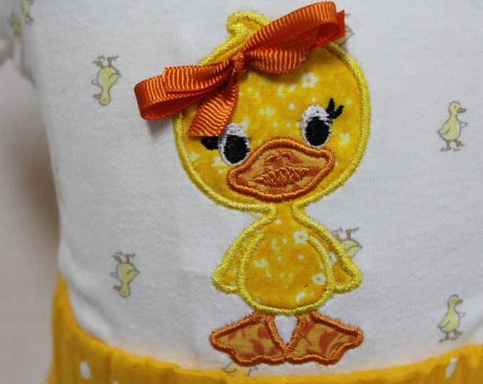 Baby girl Little Duckling outfit, Easter Duck bodysuit with matching Ruffle shorts,Yellow Ruffle shorts, Yellow and Grey outift, headband
