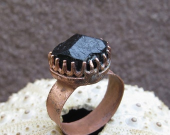 Raw black tourmaline ring | Copper electroformed raw schorl ring | Raw shorl electroformed ring | Black schorl copper ring