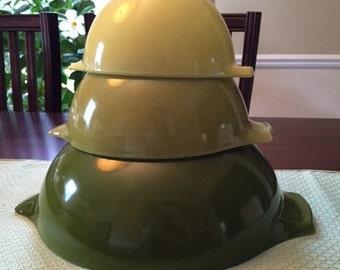 Pyrex Verde Cinderella Bowls