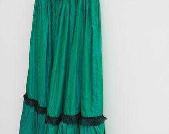Shinny Green Gypsy Full Skirt w/ lace