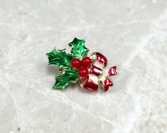 Vintage Holly Pin, Holiday Holly Pin, Christmas Holly Pin, Vintage Bow Pin,Vintage Christmas, Holly Jewelry,Red Holiday, Holly Brooch