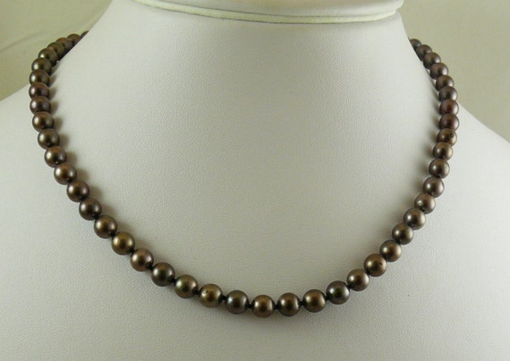 Cultured Brown Pearl Necklace with 14k white Gold Clasp