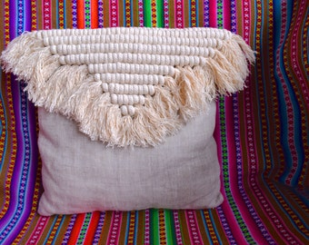 BORACAY - Cushion in natural linen and macrame