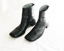 Black leather ankle boots- women's size 6- square toe boots- leather ankle boots- Unisa boots- zip up leather boots- chunky heel boots