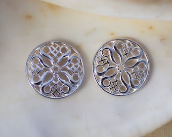 10/20 PCS Bright Silver Plated Ornate Filigree Round Pendant - 24x24mm Lead Free
