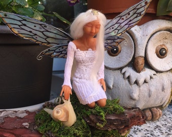 Light fairy, 17 cm in size but the piece of wood.