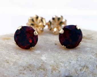 Garnet earrings, garnet gold round earings red garnet, 14K gold stud earrings 6 mm earring