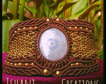 Solar Eye Bracelet. Solar cuarz stone. Macrame bracelet. Chain Mail.
