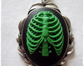 Brustkorb Halskette