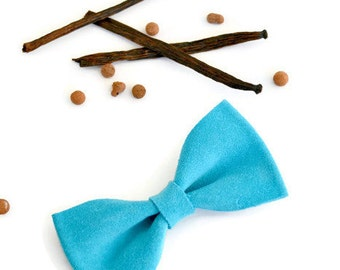 Turquoise leather hair bow / Blue leather bow clip / Hair accessories for children / Turquoise suede hair clip