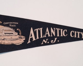 "Vintage Souvenir Pennant ""Atlantic City"""
